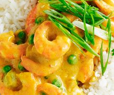 This classic flavour-packed recipe provides a quick family dinner that can be on the table in 30 minutes. Packed full of protein and wonderful spices, it ticks all the taste and nutrition boxes. Prawn Recipes, Shellfish Recipes, Curry Recipes, Seafood Recipes, Indian Food Recipes, Cooking Recipes, Rice Recipes, Recipies, Retro Recipes