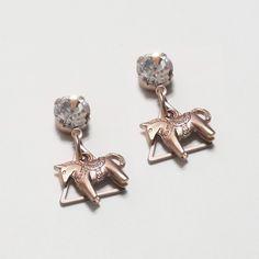 crystal rocking horse earring (choko)  / designer custom jewelry 'AUGUST ALICE ' KOREA BRAND / HOMPAGE :   www.augustalice.com facebook:  https://www.facebook.com/pages/AUGUST-ALICE/1480821305483839?ref=bookmarks naver blog: http://blog.naver.com/leesdaum