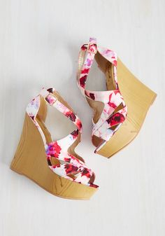 Magnifique Motif Wedge. As the baroness of blending patterns and prints, your attraction to these strappy peep toes is instantaneous! #pink #modcloth