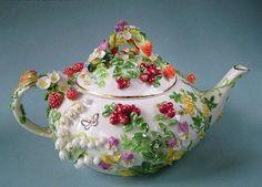 Porcelain garden of Svetlana Oreshkina with her own hands, DIY, porcelain Cuppa Tea, Teapots And Cups, Tea Art, Coffee Set, Chocolate Pots, Tea Time, Biscuit, Tea Cups, Creations