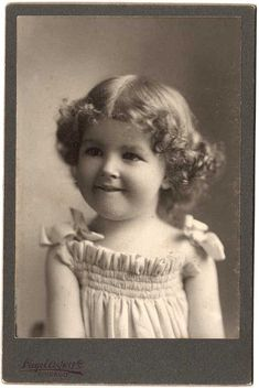Cabinet PHOTO Adorable Little Curly Hair Girl Shirley Temple Look-Alike 1908 CHICAGO