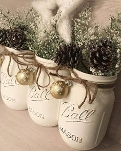 Beautiful white Christmas Mason jar decor perfect for that special room. This pint sized set of white Mason jars has been lightly distressed. They feature a gorgeous gold snowflake mini ornament. Twine finishes the look to give that rustic touch. They also make fabulous gifts for