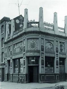 Lost Ireland: 12 photos that capture forgotten moments of Irish history Dublin Street, Dublin City, Old Pictures, Old Photos, Lost Images, Irish Celtic, Dublin Ireland, Bars For Home, Lemmy Motorhead