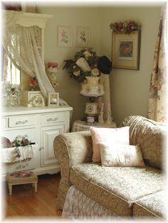 Living Room by Bluebird Becca, via Flickr