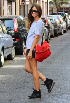 http://www.jenny.gr/wedges-for-casual-and-glamorous-looks/