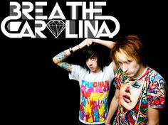 breathe carolina warped tour 2012 at SA :) it rained wen they played! IT was AWESOME Breathe Carolina, List Of Bands, Screamo, Band Pictures, Mayday Parade, Warped Tour, Types Of Music, Funny Art, Music Lyrics