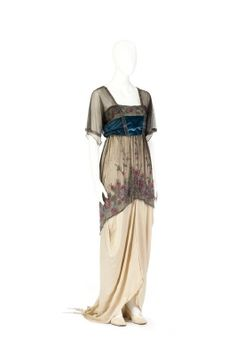"Dress with ""hobble skirt"" inspired by the French fashion designer Paul Poiret. Made for Ellen von Hallwyl at Au Royal Quartier in Paris, probably in 1915."