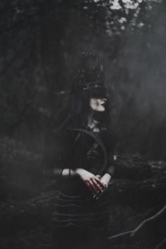 Model: Jenny Dagon, costume designer: Agnieszka Osipa