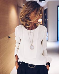 Making an investment in a nice blouse with navy or black trousers this Winter with a belt and matching 30 statement necklaces is a perfect work or meeting outfit. Simple and chic. Mode Outfits, Office Outfits, Fashion Outfits, Office Wear, Office Chic, Fashion Ideas, Fashion Styles, Stylish Outfits, Sophisticated Outfits
