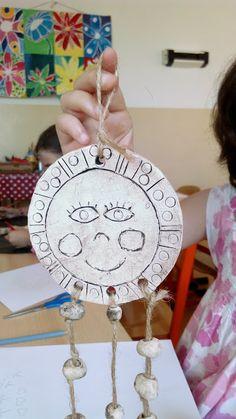 Tvoříme s dětmi ☺: Keramická sluníčka Ceramics Ideas, 4 Kids, Hana, Montessori, Pots, Arts And Crafts, Clay, Sculpture, Spring