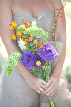 Beautiful free-form bouquet.  Love the color combo