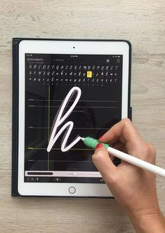 Create Fonts on Your iPad in a Few Easy Steps 3 Free Fonts In this class I – I… – boston Ipad Art, Ipad Kunst, Create Font, Nice Handwriting, Affinity Designer, Lettering Tutorial, Graphic Design Tutorials, Design Web, Type Design