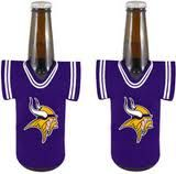 Keep your beer cold, or your hands warm.  Vikings coozie for all of Minnesota's seasons.