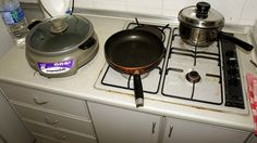 has anyone tried the nuwave cooktop Dirty Kitchen, Kitchen Stove, Kitchen Appliances, Kitchens, Housekeeping Tips, Home Gadgets, Cleaners Homemade, Me Clean, Home Accents