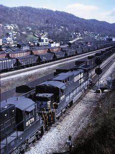 N&W train CN86 at Bluefield, WV