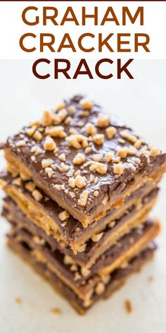 Graham Cracker Toffee (aka Graham Cracker CRACK) - Sweet, buttery, caramely, perfectly chocolaty, topped with toffee bits for extra crunch!! Lives up to its name and extremely ADDICTIVE!! An EASY holiday and party FAVORITE!! Graham Cracker Recipes, Recipes With Graham Crackers, Graham Cracker Dip, Graham Cracker Dessert, Cracker Candy, Bark Recipe, Crack Cookies Recipe, Candy Crack Recipe, Cookie Recipes
