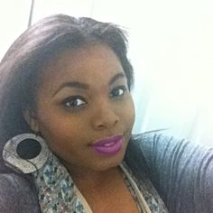 Winged liquid liner and purple lips! Last night's makeup look. #makeup #MAC #violetta #lipstick