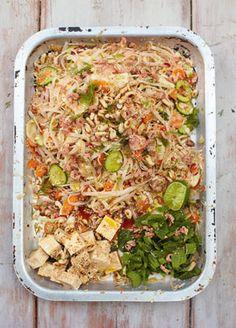 Jamie Oliver: Koh Samui salad, chilli tofu & Thai noodles.