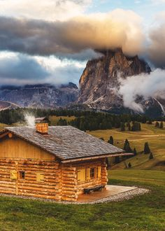 coffeenuts: bluepueblo:Mountain Cabin, Seiser Alm, Italy photo via zoom Ideas De Cabina, Cabin In The Woods, Log Cabin Homes, Log Cabins, Wooden Cabins, Cabins And Cottages, Photos Of The Week, The Great Outdoors, Beautiful Places