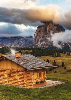 Mountain Cabin, Seiser Alm, Alpi di Siusi, Italy South Tyrol.