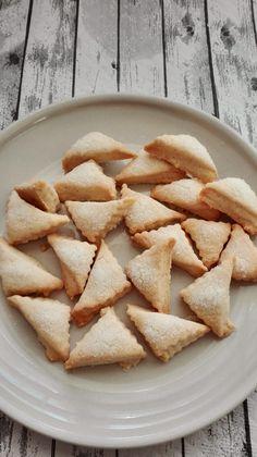 Las vi el pasado lunes en el blogMi recetarioy hoy os enseño cómo quedaron las nuestras. Quedan hojaldradas y deliciosas, no muy dulces como mas nos gustan a pesar de que he añadido algo más de a… Gourmet Dinner Recipes, Mexican Food Recipes, Cookie Recipes, Dessert Recipes, Sweet Pastries, Meals For Two, Yummy Cookies, Sweet Desserts, Cooking Time