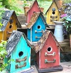 Church Birdhouses Vintage & Rustic #WoodworkingProjectsBirdhouse