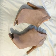Grey booties Like new! Worn 1x for maybe 2 hours. Sole Society Shoes Ankle Boots & Booties
