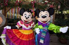 Disneyland Reyes Magos en VIVA NAVIDAD, conoce más sobre esta Celebración latina, lleva a tu familia a disfrutar comida, shows, música, etc.