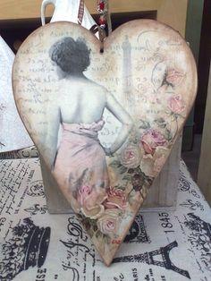 Ξυλινη καρδια αναγλυφο
