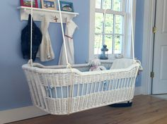 Hanging Cradle....would have love this for natalie....maybe our next baby well do this