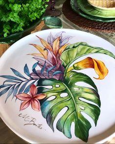 Acrylic Painting Flowers, China Painting, Ceramic Painting, Fabric Painting, Ceramic Art, Black Canvas Art, African Art Paintings, Decoupage Vintage, Silk Art