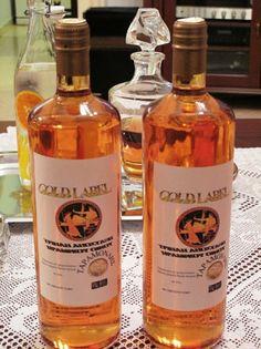 """ΕΛΛΗΝΙΚΑ ΠΡΟΙΟΝΤΑ: Ουίσκι """"αλά ελληνικά"""" από Λαρισαίο ποτοποιό! Vodka Bottle, Wine, Drinks, Blog, Drinking, Beverages, Drink, Blogging, Beverage"""