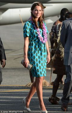 The Duchess wore the green check-print Johnathan Saunders Evelyn Cotton Dress. September 16, 2012