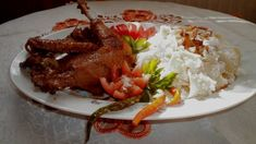 Kakas pörkölt, túrós csuszával Favorite Recipes, Beef, Meals, Food, Red Peppers, Meat, Meal, Eten, Ox