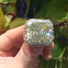20 Rare & Exceptional Christie's High Jewelry Pieces That Really Stood Out This Year — Style Estate Gemstone Jewelry, Diamond Jewelry, Diamond Rings, Platinum Jewelry, Gold Platinum, Sapphire Diamond, The Bling Ring, Bling Bling, High Jewelry