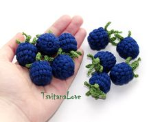 Crochet Raspberry +) Stuffed Berries - Raspberries Pretend Small Scullion Eco Friendly Toys Play Food Fruit - Cooking Inspiration Waldorf - Crochet berries – raspberries and blackberries in a basket – little kitchen boy – play in the - Crochet Fruit, Crochet Food, Crochet Baby, Crocheted Toys, Double Crochet, Easy Crochet, Knitting Patterns, Crochet Patterns, Crochet Humor