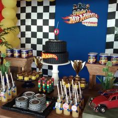Hot wheels party - Celebrat : Home of Celebration, Events to Celebrate, Wishes, Gifts ideas and more ! Car Themed Parties, Cars Birthday Parties, Car Birthday, Happy Birthday, Hot Wheels Birthday, Hot Wheels Party, Ben 1000, Monster Truck Party, Race Party