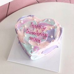 how to fondant a cake Pretty Birthday Cakes, Pretty Cakes, Beautiful Cakes, Heart Shaped Birthday Cake, Mini Cakes, Cupcake Cakes, Korean Cake, Korean Food, Pastel Cakes