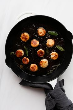 Browned Butter Scallops Fish Recipes, Seafood Recipes, Shrimp Bisque, Starchy Vegetables, Scallop Recipes, How To Cook Fish, Healthy Food Choices, Butter Sauce, Baked Salmon