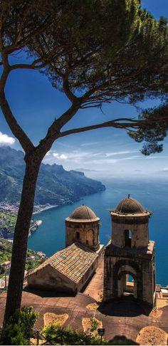 Ravello Italy, Amalfi Coast Italy, Places Around The World, Travel Around The World, Around The Worlds, Dream Vacations, Vacation Spots, Italy Vacation, Vacation Villas