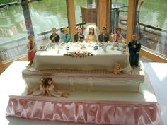 WOW!! How creative is this...the whole wedding party in cake! Great job!