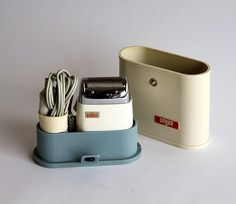 Dieter Rams made this wonderful set. I remember my dad, who was very fond of his Braun razor. As a sailor in the navy, he always carried it with him on his travels.