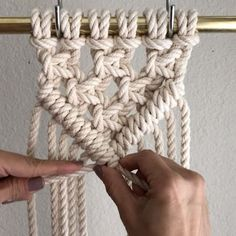 """How to Make a Sharp """"V"""" or point with Diagonal Clove Hitch Knots. // I've seen students struggle with this and hopefully this video explains it well. Feel free to ask me questions on it. // This video shows 6 cords at 8 feet each. Since folded in half and Clove Hitch Knot, Half Hitch Knot, Macrame Curtain, Macrame Plant Hangers, Micro Macramé, Macrame Projects, Macrame Patterns, Knots, Weaving"""