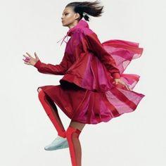 Nike+x+Sacai+capsule+collection+aims++to+make+sportswear+more+feminine