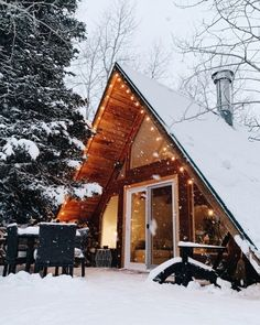 Cabin Vibes ↟ — wild-cabins: Cottonwood Chalet A Frame Cabin, A Frame House, Winter Cabin, Cozy Cabin, Snow Cabin, Cozy Winter, Villa Pehuenia, Log Cabin Homes, Log Cabins