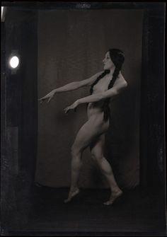 Nude Modern Dance 119