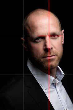 Tutorial: Rule of Thirds | The Fujifilm Blog Aquí observamos cómo se coloca los ojos (elementos a destacar) en la línea superior.