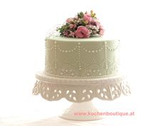 pale green one tiered wedding cake with Royal Icing by KuchenBoutique Royal Icing, Wedding Cakes, Green, Desserts, Food, Tailgate Desserts, Meal, Wedding Pie Table, Dessert