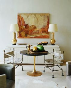 Saarinen 'Tulip' table with chunky black top and gilt base, interior by Kelly Wearstler House Design Photos, Cool House Designs, Interior Inspiration, Design Inspiration, Design Ideas, Interior Decorating, Interior Design, Design Room, Decorating Ideas