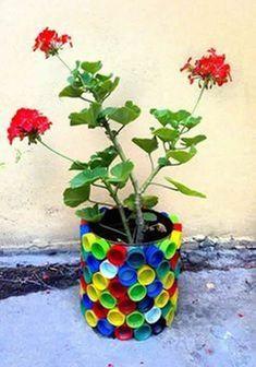 50 Magical DIY Fairy Garden Ideas, – Halloween Ideas – Grandcrafter – DIY Christmas Ideas ♥ Homes Decoration Ideas Diy Home Crafts, Garden Crafts, Garden Projects, Garden Ideas, Garden Art, Plastic Flowers, Diy Flowers, Flower Pots, Plastic Bottle Crafts